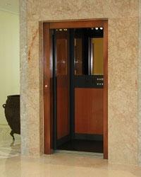 В Киевском и Железнодорожном районах г. Симферополя началась активная замена и капремонт лифтов