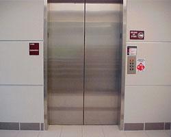 Как собираются модернизировать лифты в российских многоэтажках?