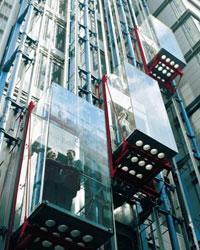 С 2013 года все лифты в РФ будут страховать