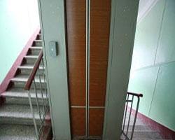 В Харькове лифт не оборвался, а просто затормозил