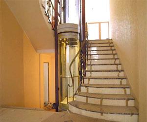 Лифт в загородном доме – причуда или необходимость?