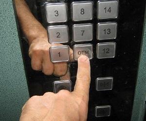 Неисправные лифты и их опасность