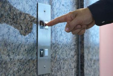 Если в лифте пожар, правила поведения